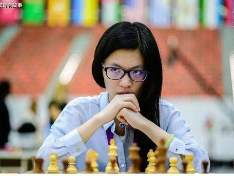 """她是""""天才少女"""",18岁保送到北京大学,如今26岁成深圳大学教授"""