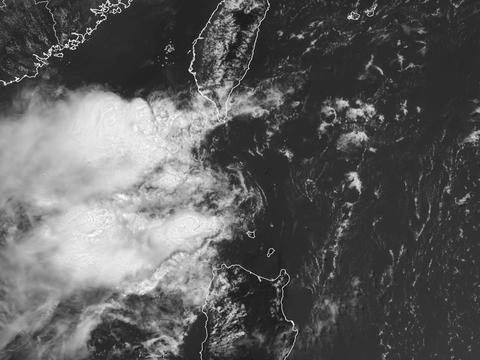 热带性低气压特报!台风胚胎逼近台湾,气象部门:防暑,注意安全