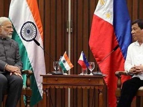 菲律宾成香饽饽,印度主动上门推销军火,没啥钱连登陆舰都不敢买