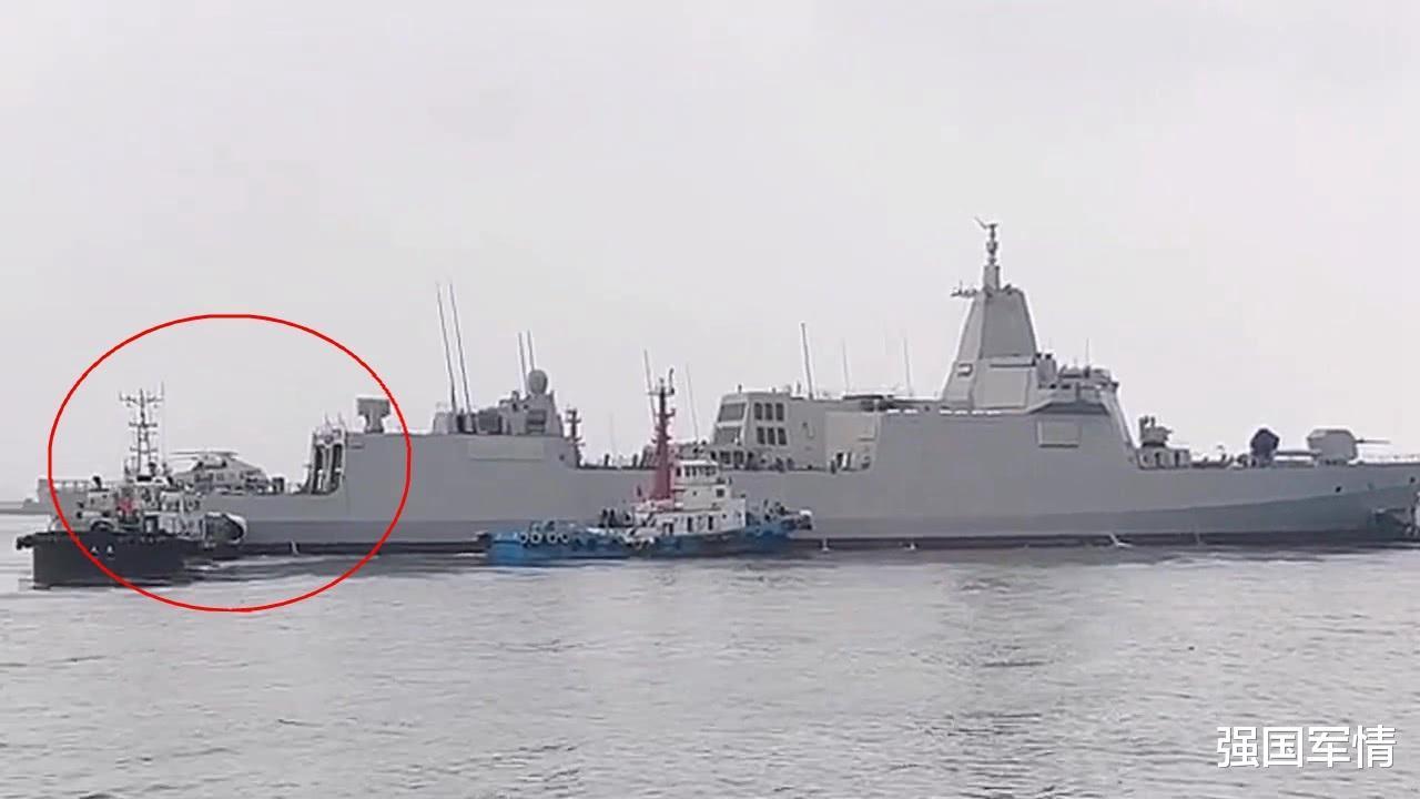 055大驱带着舰载版直-20引热议,为何称这是我海军新时代开启?