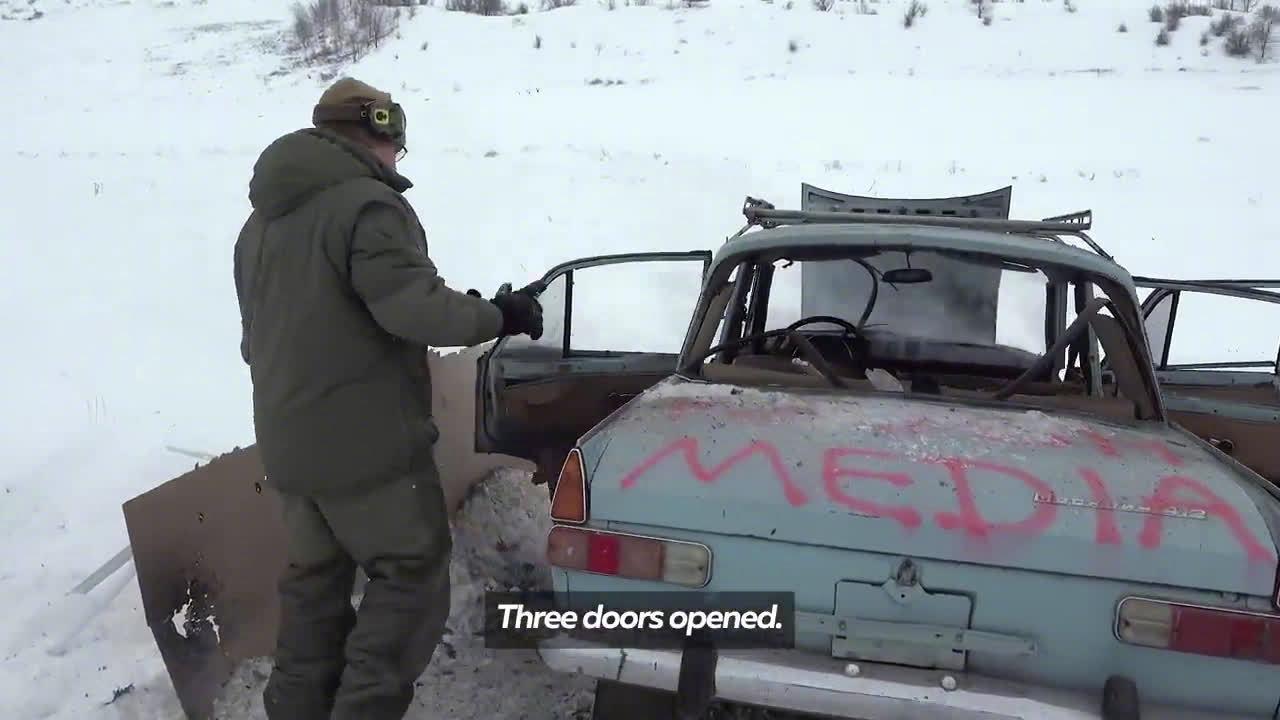 没有神马小汽车是一发RPG不能完全摧毁的……