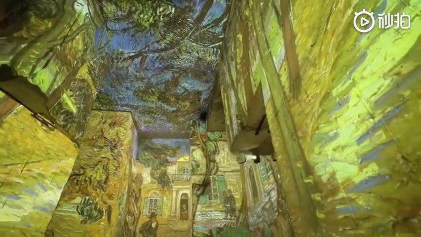 法国巴黎沉浸式梵高艺术展