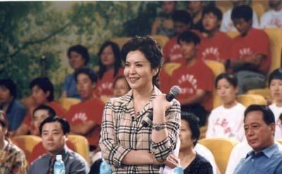 2012年,尤小刚为了周庭伊和邬倩倩离婚,邬倩倩现在怎样了?