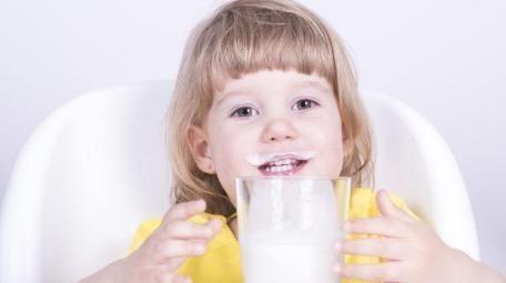 """这三个""""差距""""对于每天喝牛奶和从不喝牛奶的孩子来说是显易见的"""