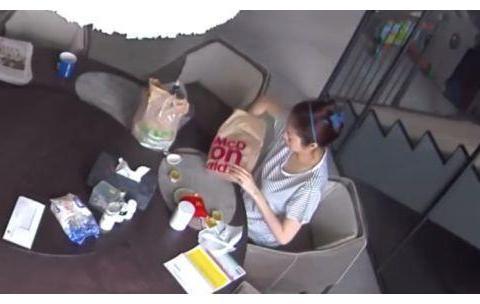 安以轩点麦当劳外卖被烫伤,有视频为证