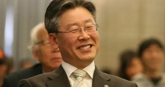 一个接一个!朴元淳后京畿道知事也面临指控,也是总统热门候选人