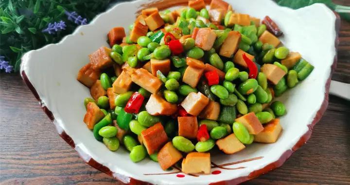 """三伏天,别错过这个蔬菜,膳食纤维比芹菜高,被称为""""豆中之王"""""""