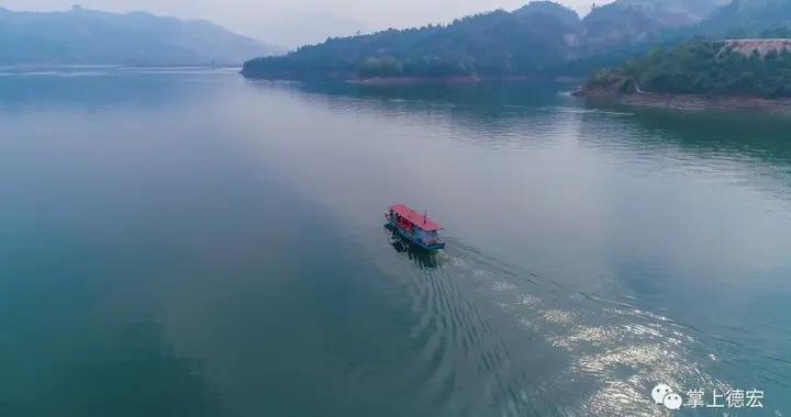 从500米高空俯瞰,德宏这个水库堪比千岛湖