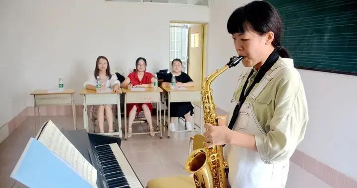 阳春一学校进行体育、艺术特长生术科考试