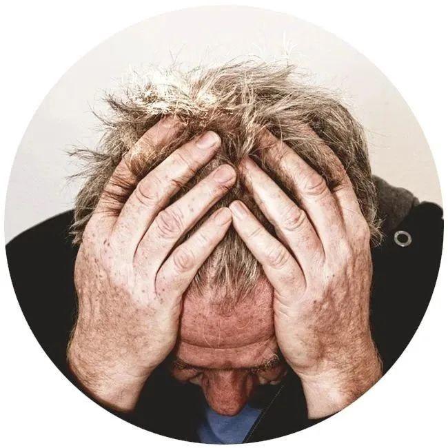 """眩晕、嗜睡、吐字不清……可能是大脑血管堵了,当心""""失控""""的脑中风!"""