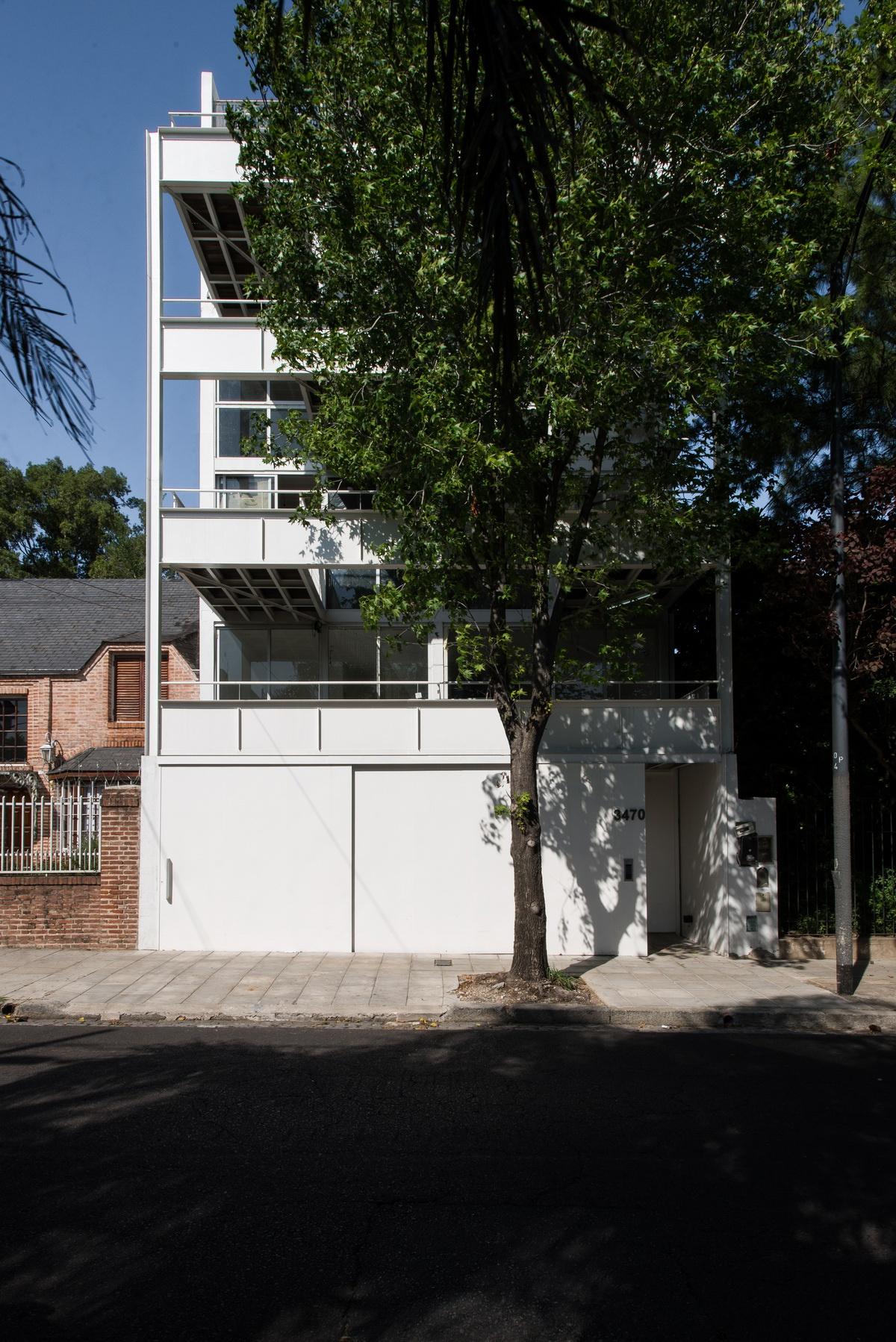 让光线洒满庭院——3470号集合住宅,布宜诺斯艾利斯