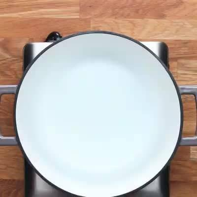 今日晚餐:培根鸡肉蔬菜意式螺丝面!