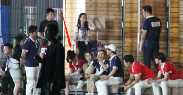 跑男迎来腿最长嘉宾,baby蔡徐坤不敢和她同框,看清是谁:打扰了