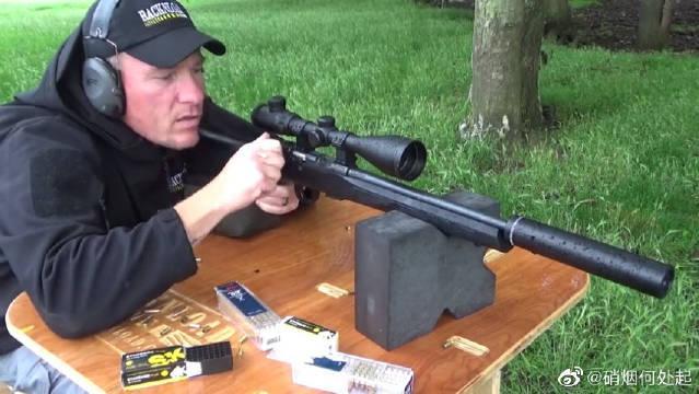 捷克CZ 457小口径步枪,射击声音本来就小,加上消音器如虎添翼……