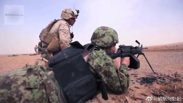 阿富汗国民军机枪射击训练,子弹管够,太豪横了,看着就爽!