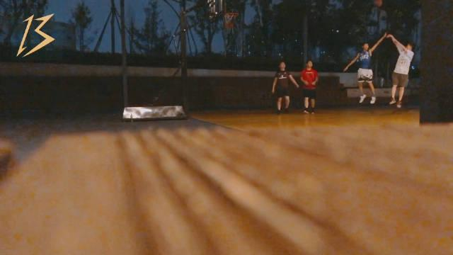 🏀 Brian回归篮球场的vlog🐒 『 球场上的逗比 自带字幕解说 』