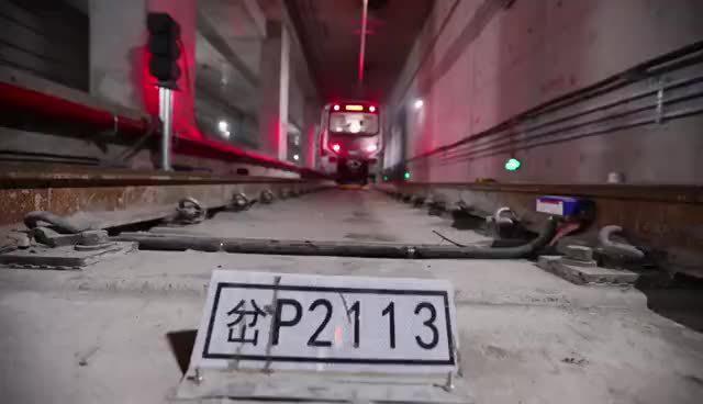 """试跑成功!郑州地铁3号线正线""""热滑""""开启"""