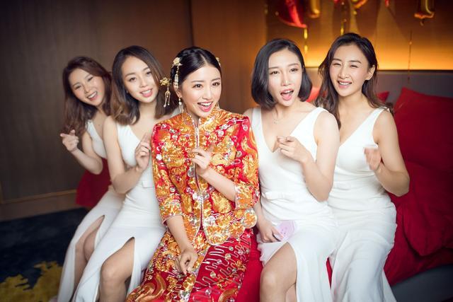 她是体操女神,嫁给奥运冠军邹凯,生子后身材升级,29岁魅力十足