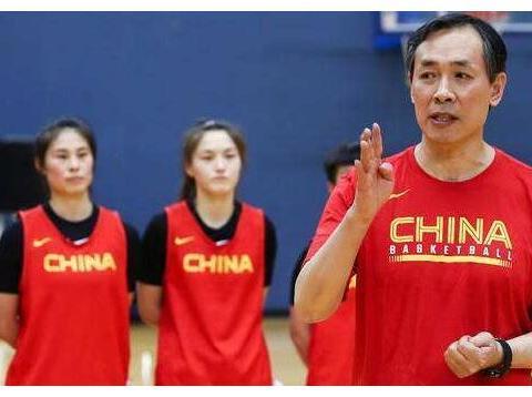 中国女篮最新集训名单,95前几乎绝迹,7人首次入选四名大学球员