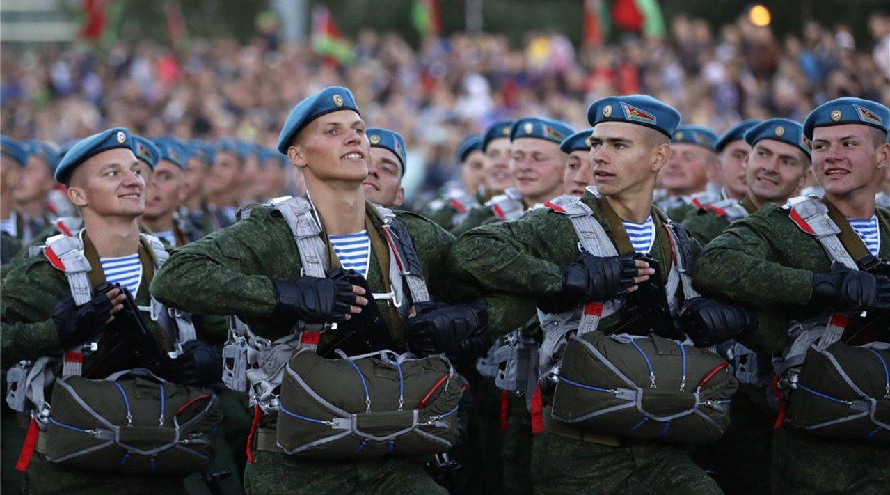 这才是有骨气国家,讨好俄罗斯反被打压,随后扭头转入中国怀抱