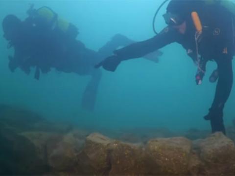 湖底惊现3000年前城堡废墟,揭开古奴隶制王国面纱