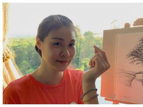 回忆杀!女排奥运冠军收到队友亲手编织的手链,还晒出昔日的合照