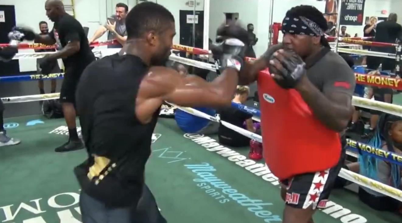 实拍世界第一泰拳猛将马库斯拳击训练!