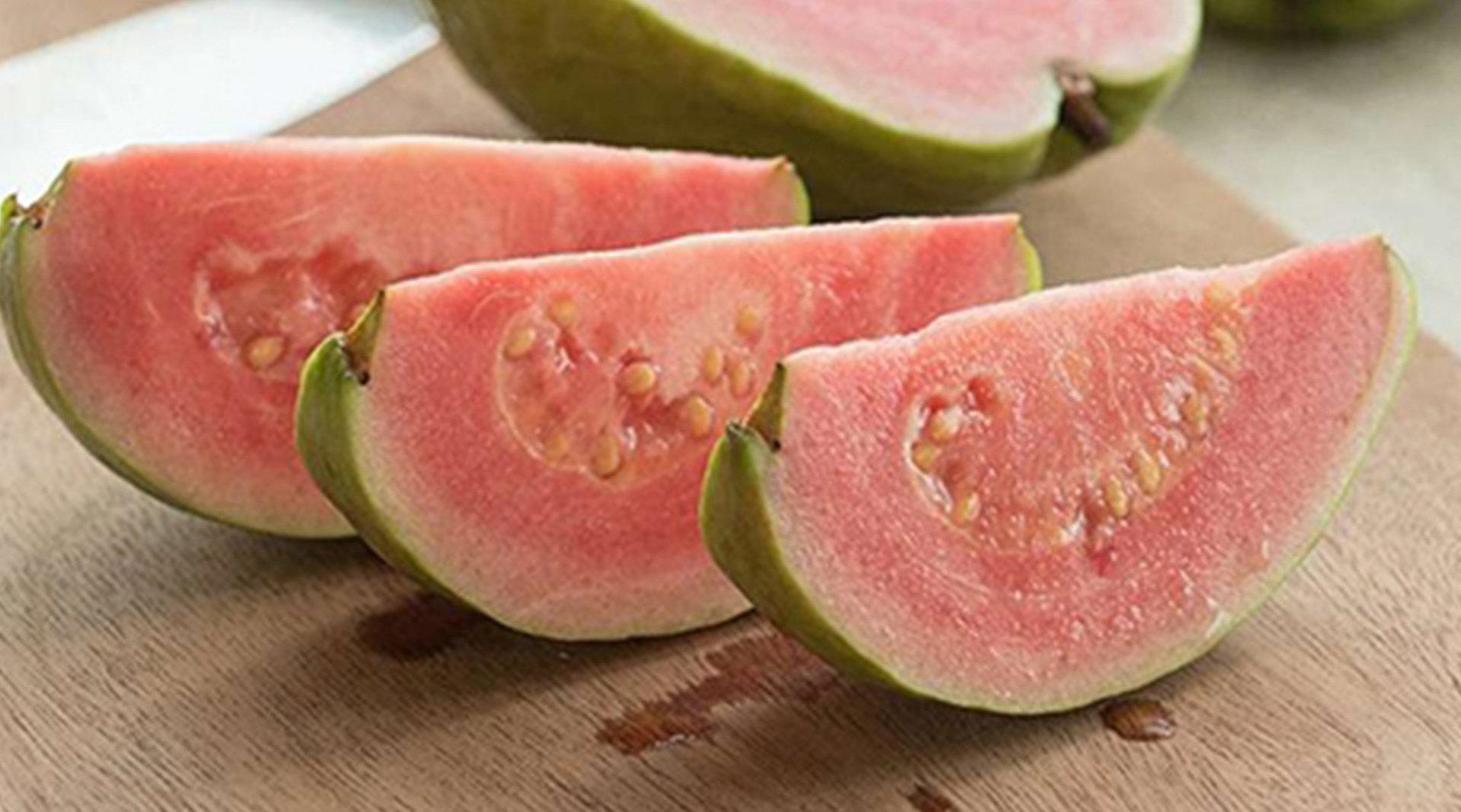 夏季建议中老年人多吃碱性水果 营养堪比软黄金