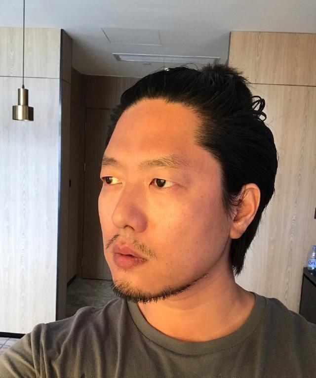 """惊喜!""""洪世贤""""离婚十周年首秀,凌潇肃身材管理让人羡慕"""