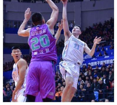 山东男篮再战新疆需打好一点,三小将遇考验,两人将成为胜负手