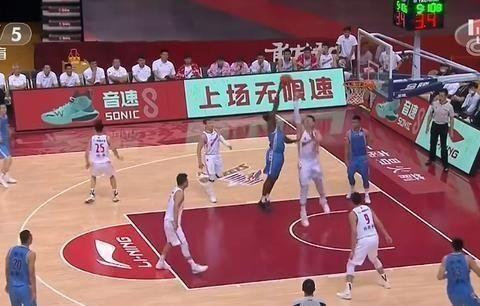 方硕17+6,林书豪20+5+8,北京男篮赢了八一男篮