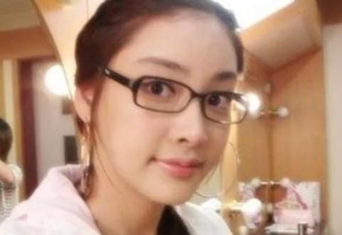 23岁张紫妍,被父子共同占有,有的错误,女孩子一次都不可以犯