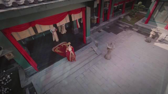 终于迎来大婚,骊歌@李沁 身穿绝美嫁衣从沈府出嫁……