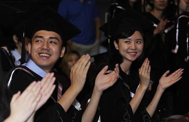 从小学到高中毕业,应届生有多大几率考入本科?这个预估是否靠谱