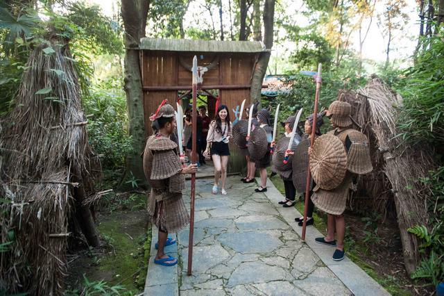 贵州有个穿着藤甲的部落,仍保持着古老习俗,曾让诸葛亮感到头疼
