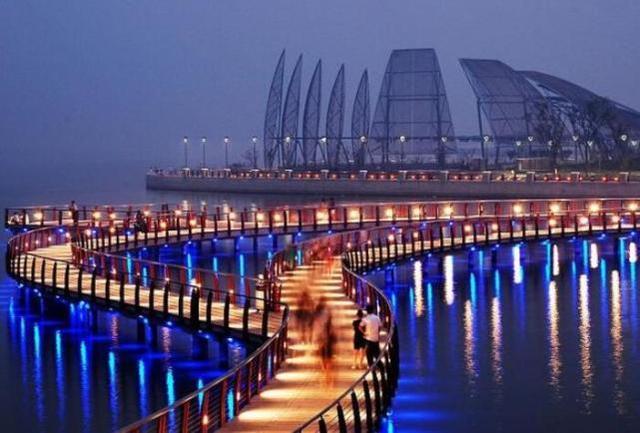 安徽非常低调的城市,拥有2个机场和3个火车站,发展潜力巨大