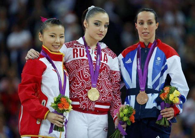 体操女队运动员为啥都是小孩?奥运冠军何可欣,退役后再次发育
