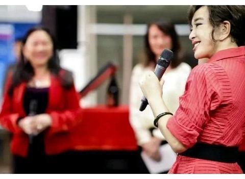 刘晓庆开启个人书法展,她的书法作品真的有收藏价值和艺术价值吗