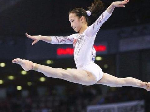 女运动员在体操中都穿三角裤,她们不怕影响比赛吗?原因很简单