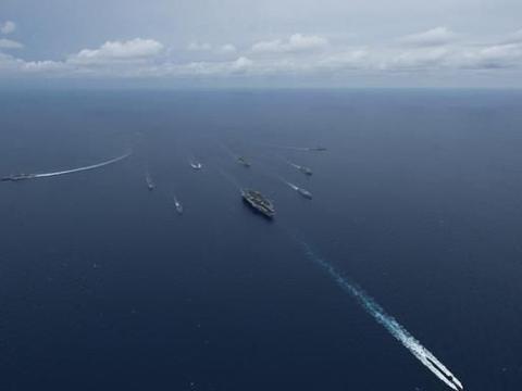 中国未来核动力航母的护身符!055重型导弹驱逐舰,究竟多厉害?