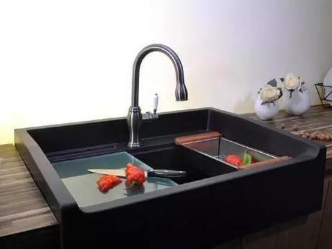 """越来越多人厨房不装""""不锈钢水槽""""了,现在流行装这种,太聪明了"""