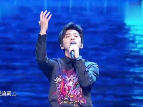 李健郎朗同台演出,一首《在水一方》,配合得简直无懈可击!