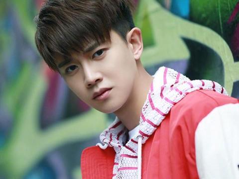"""同样是当韩国""""练习生"""":王嘉尔17岁,而《陈情令》的他仅仅13岁"""