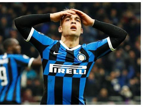 巴萨仍希望签下马丁内斯,若失败,他们有机会引进另一名顶级球星