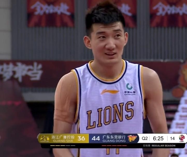 大争议,40秒差5分李春江认输,撤下34+15+7双巨,杨毅直呼为什么