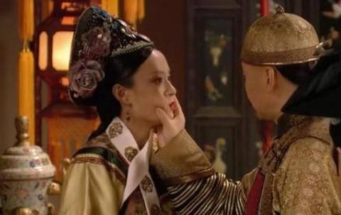 甄嬛传:滴血认亲时,敬妃说的这几个字,奠定了她贵妃的位置