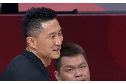 杜锋:浙江广厦很不错,但目前还没想怎么打广厦,胡明轩感谢杜锋