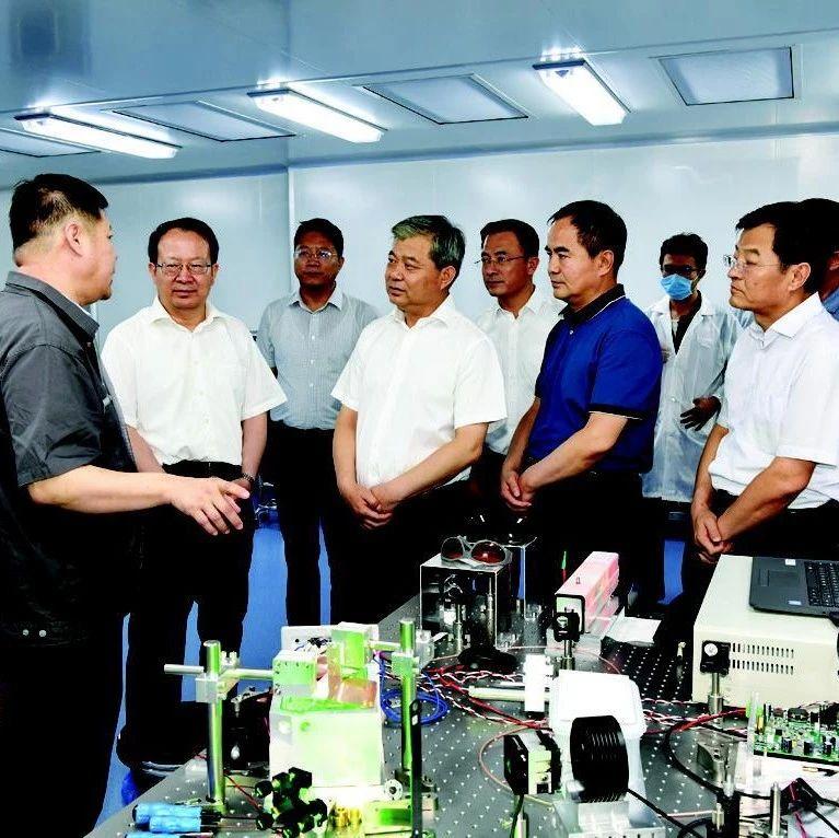 罗清宇李晓波在山西转型综改示范区阳曲产业园区调研