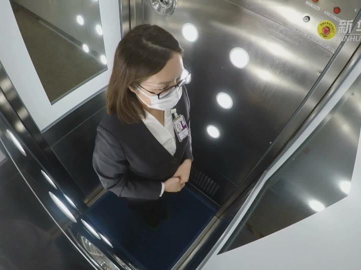 香港首家抗疫主题店落户香港机场
