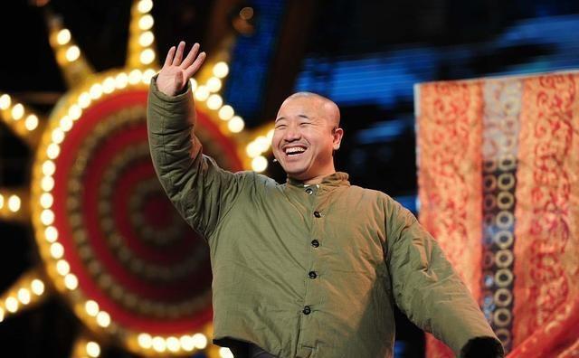 王亮:王小利儿子,长得比爸爸帅,心疼妈妈也想爸爸幸福